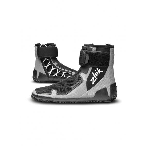 ZhikGrip II Light weight Hiking boot model 560